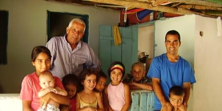 RESPEITO AOS POVOS TRADICIONAIS! Pelo direito de permanência de Seu Maneco e família em Martins de Sá!