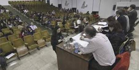 A favor de la retirada del borrador para la rebaremación de las listas de interinos docentes en la CV