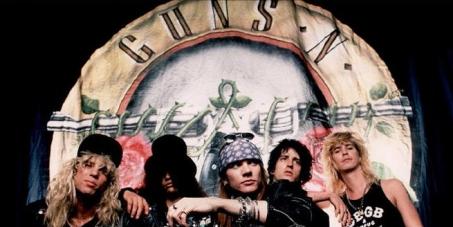 Axl Roses Peça Desculpas a Slash, e que Slash  e Outros integrantes voltem a BANDA Guns N' Roses