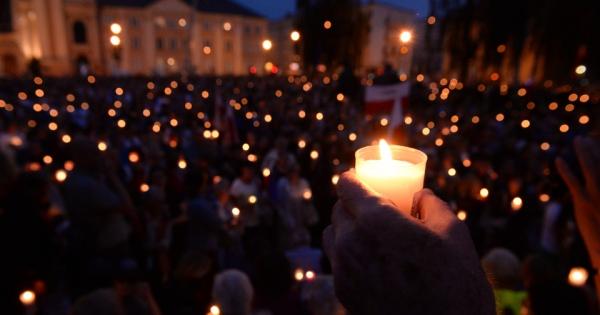 Prezydent Andrzej Duda : Panie Prezydencie - apelujemy o zawetowanie ustaw niszczących sądy