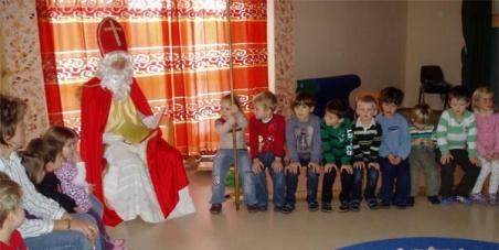 Bürgermeister und Landesregierung von Wien: Nikolaus in den Kindergarten - Adventkränze zurück in die Klassenzimmer!!