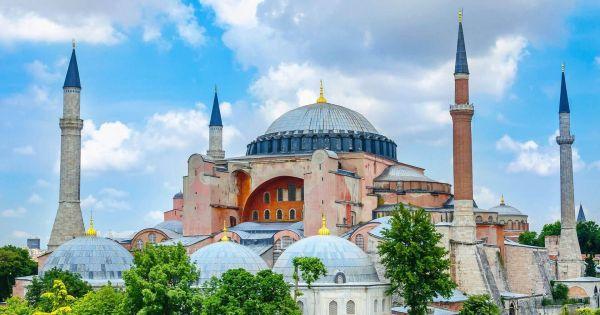 Ο Ερντογάν θέλει να κάνει τζαμί την Αγία Σοφία. Σταματήστε τον!
