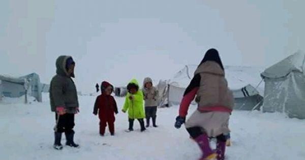 Repatrieer kinderen samen met hun moeders uit Koerdische detentiekampen in Noordoost-Syrië
