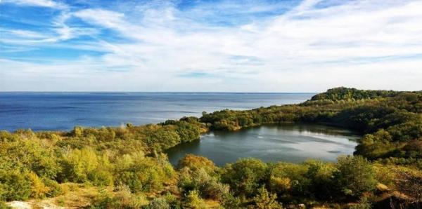 Запобігти екологічній катастрофі та зберегти святиню давніх слов'ян