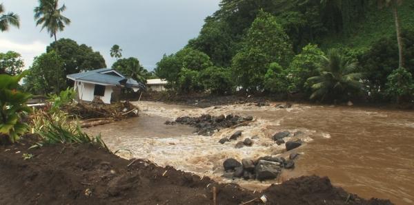 Monsieur Edouard FRITCH président de la Polynésie française: Étendre en Polynésie la garantie des catastrophes naturelles