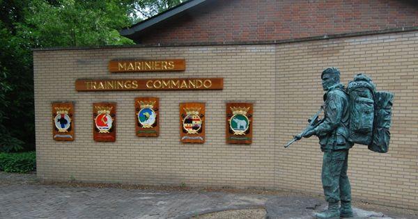 Minister Rutte: Marinierskazerne Doorn moet blijven