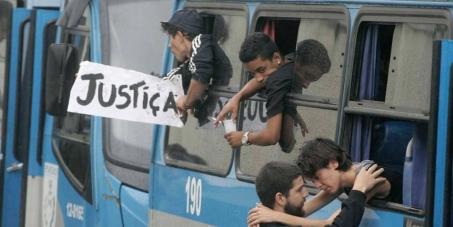 Libertação imediata dos presos políticos de 15 de outubro de 2013 no Rio de Janeiro.