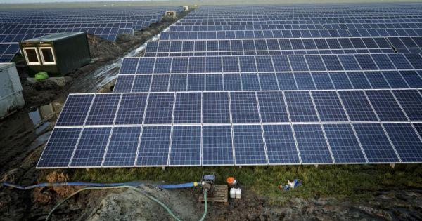 Stop zonnepark Oppenhuizen en voorkom weerkaatsing van weggeluid A7 door zonnepanelen.