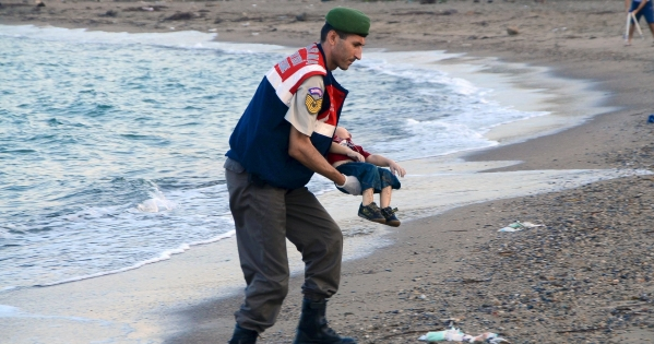 Governments of the European Union: We call on safe and legal entry to the EU for all Syrian and other refugees