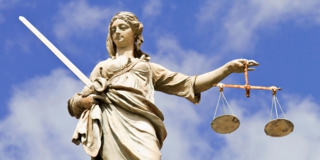 Στην Ελληνική Δικαιοσύνη: Να δικαστούν οι δωσίλογοι να πάνε φυλακή και να κατασχεθεί η περιουσία τους
