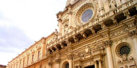 Impedire la costituzione dell'Università islamica a Lecce.
