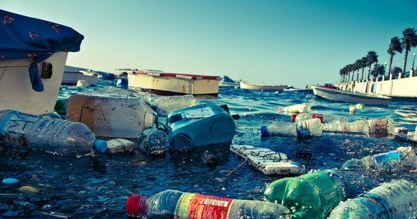 Au ministère du Développement durable du Québec: abolissez la vente de l'eau en bouteille au Québec.