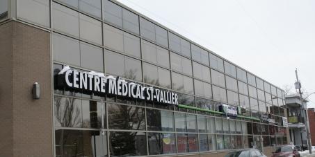 Gaétan Barrette, ministre de la Santé et des Services sociaux du Québec: Sauvons le sans rendez-vous de la clinique St