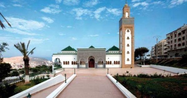 افتحوا التسعين 90 بالمئة المغلقة من مساجد المملكة المغربية، وأعيدوا لنا الجمعة !!!