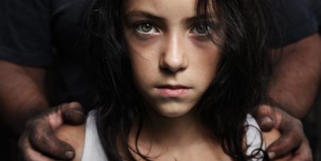 Italie, France : Stop aux lois pro-pédophiles !