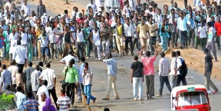 أوقفوا قتل المتظاهرين من المدنيين العزل في السودان