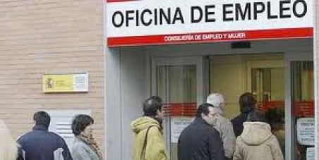 Fátima Báñez, Ministra de Empleo y Seguridad Social: Que confíe en la iniciativa de las personas sin empleo