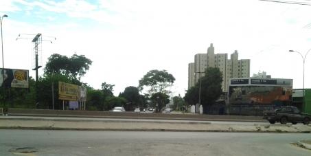Construção dos Viadutos: BR-153xAvenida Bela Vista e BR-153xAvenida Leste-Oeste, em Goiânia-GO.