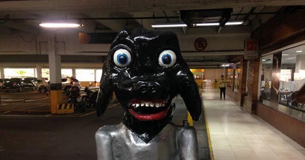 A permanência da estátua do cachorro do DB da Ponta Negra.