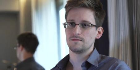 La France doit accorder l'asile politique à Edward Snowden