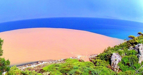 ΕυβοϊκόS.O.S - ΟΧΙ στο ΧΥΤΑ που θα μολύνει τις παραλίες της Αττικής