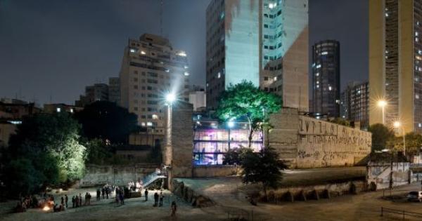 À Presidenta Dilma Roussef, ao Prefeito Fernando Haddad e à Silvio Santos: Transformem a Terra do Entorno ao Teatro Ofic