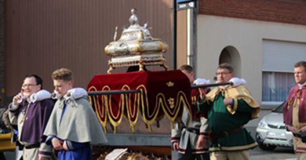 La marche de «Saint-Véron» à Lembecq va pour la reconnaissance du patrimoine culturel.  Soutenez-nous pour protéger ce événement historique.