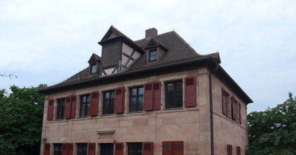 Erhalte das Pfarrhaus in Behringersdorf (nähe Nürnberg)