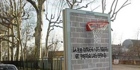 Diminuer la place de la publicité dans l'espace public à Lyon