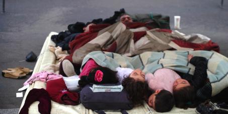 Paris 2013, des enfants vivent et dorment dans la rue depuis plusieurs années, STOP !!!