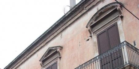Salviamo il Palazzo Neoclassico di via Camera del Capitolo 14 (Bisceglie)!