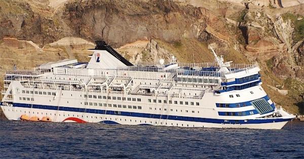 Προς τον Πρωθυπουργό Αλέξη Τσίπρα: Σαντορίνη SOS: Ανελκύστε το ναυάγιο του Sea Diamond