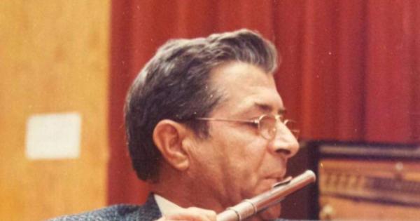 Intitolare il Teatro del Mare di Menfi ( AG) al Mº Michele Cottone ( Musicista e Didatta).