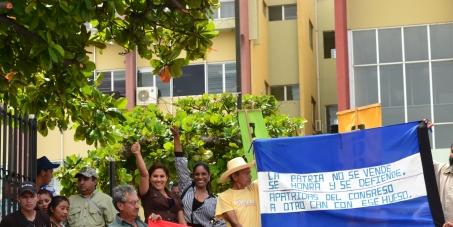 La ley RED entrega la soberanía de Honduras: <br>¡Vos podés revertirla!