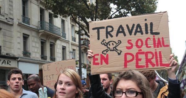 """Tribune des étudiant.e.s en travail social sur le """"volontariat étudiant"""""""