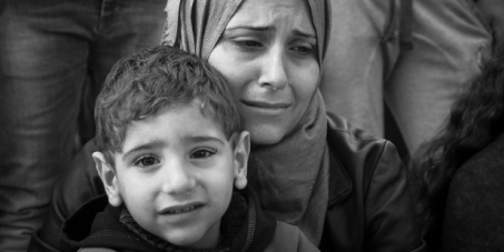 Άστεγα προσφυγόπουλα στο Σύνταγμα: άμεση λύση τώρα!
