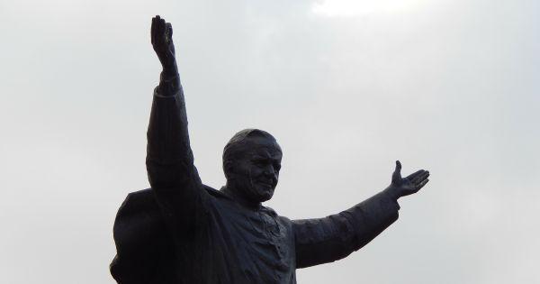 Zmieńmy nazwę ulicy Aleja Jana Pawła II na Aleja Równości w Warszawie