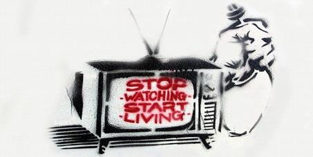 Madame Doris Leuthard, Conseillère Fédérale, DETEC, Berne: Pas de redevance obligatoire pour ceux qui vivent sans TV ou sans radio !