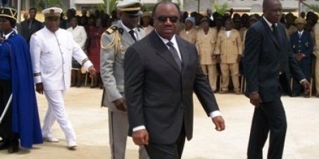 M. Hollande, ne recevez pas Ali Bongo!