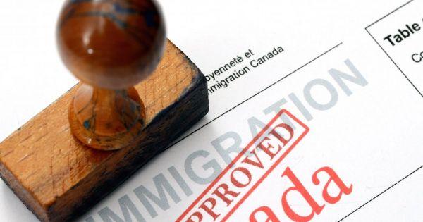 Ministère de l'Immigration, des Réfugiés et de la Citoyenneté du Canada: M. le Ministre : Réduisez nos délais !