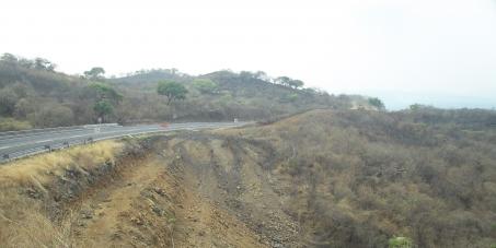 Detener la Ampliacion de  Autopista en la Zona Natural Protegida correspondiente al Municipio de Tepoztlan, Mor. Mexico.