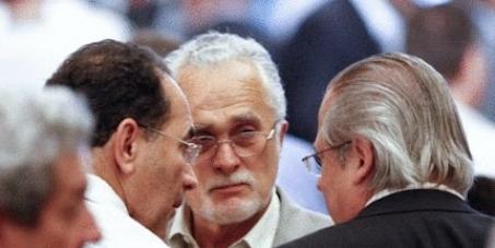 Pela destituição de José Genoíno e João Paulo Cunha da Comissão de Constituição e Justiça da Câmara dos Deputados.