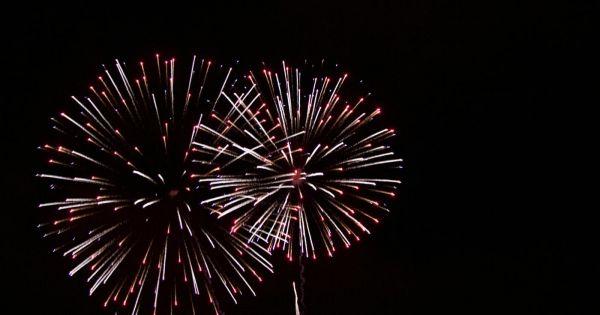 Zakaz sprzedaży i używania fajerwerków w całym kraju cały rok.