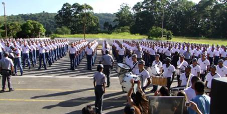 Contra a expulsão da Escola De Soldados de Pirituba.