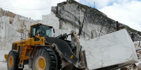 Fermiamo la distruzione delle Alpi Apuane
