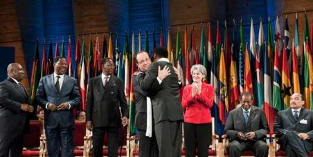 Dictateurs à l'Elysée! Dites non au Sommet de la honte!