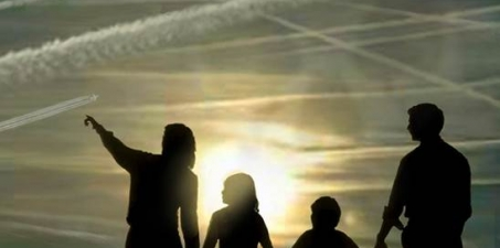Al Presidente del Gobierno de España: Prohibir las fumigaciones químicas en el espacio aéreo español