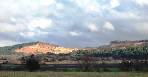 Monsieur le Préfet du Gard: Non à la destruction de la colline de Vallabrix