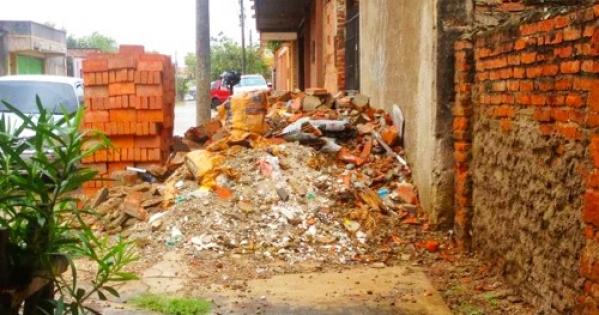 Alcalde y Concejo Municipal de Santa Cruz de la Sierra: Municipio debe hacerse cargo de las aceras