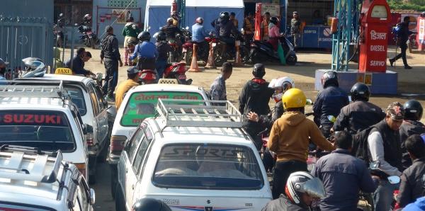 Narendra Modi - Premier ministre indien: Levée du blocus de la frontière népalaise